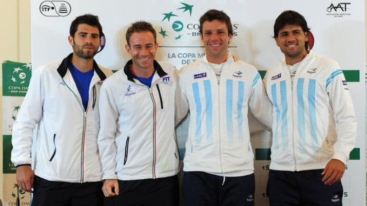 Argentina e Italia juegan el tercer punto de la Copa Davis