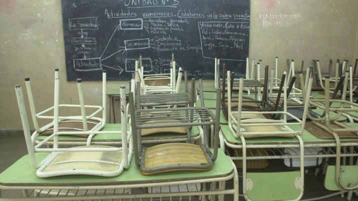Defensor del Pueblo presentó amparo para que el martes haya clases en Provincia