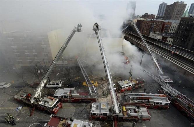 La explosión y derrumbe en Manhattan dejó al menos dos muertos