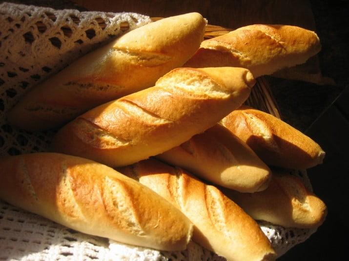 El Gobierno busca un acuerdo para que el pan se venda a 18 pesos el kilo