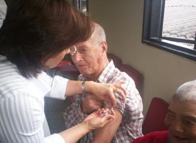 Presentan vacuna antigripal para mayores de 65 años