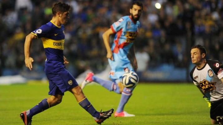 """Boca goleó a Arsenal, la """"bombonera"""" clamó por Riquelme"""