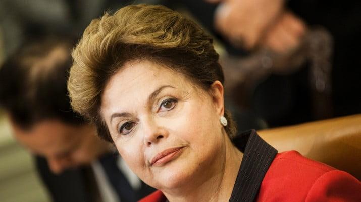 Ex titular de Petrobrás señaló a Dilma por cuestionada compra de una refinería