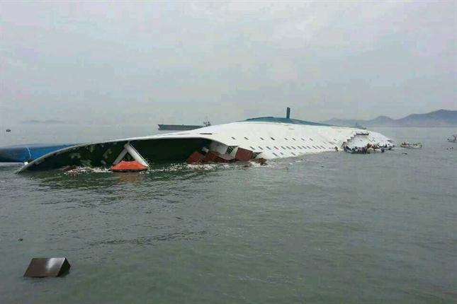 Ascienden a 58 los muertos por el hundimiento del ferry