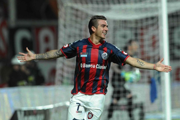 San Lorenzo alcanzó un triunfo para seguir en la lucha por el campeonato