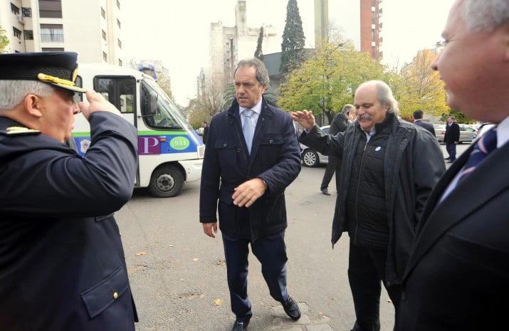 """""""La nueva policía local estará en las calles para fines de mayo de 2015″"""