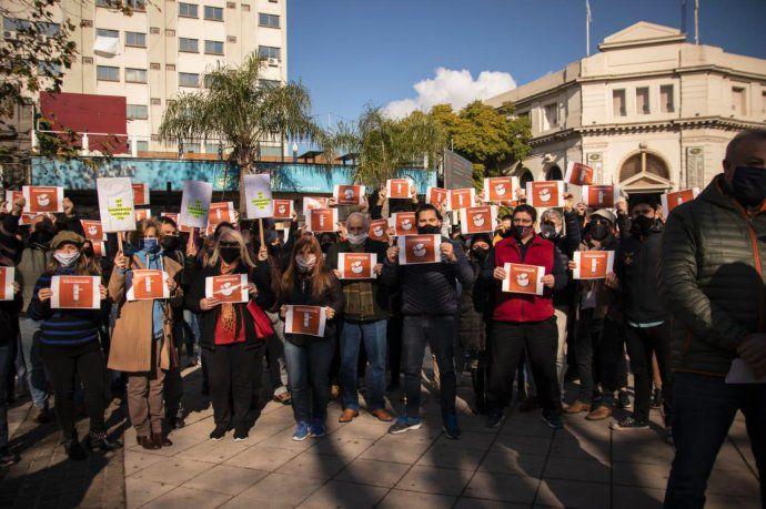 Tsunami gastronómico-hotelero: crisis histórica y pedido de rescate