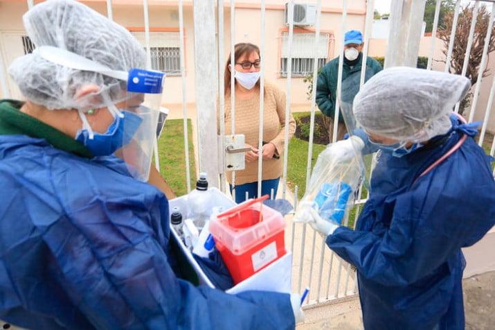 Otro día récord: 153 muertos y 6377 nuevos casos de coronavirus en el país