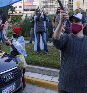 La obscena protesta de los privilegiados cuando crece la desigualdad por la pandemia