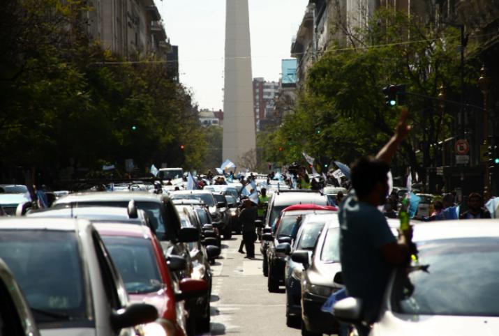 Calle, organización y política