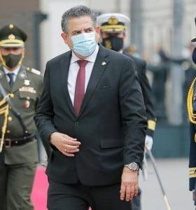 Merino asumió el gobierno de Perú con protestas y temor en los mercados