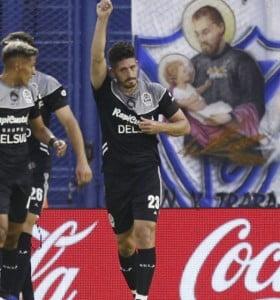 Gimnasia le ganó a Vélez y le dedicó el triunfo a Maradona