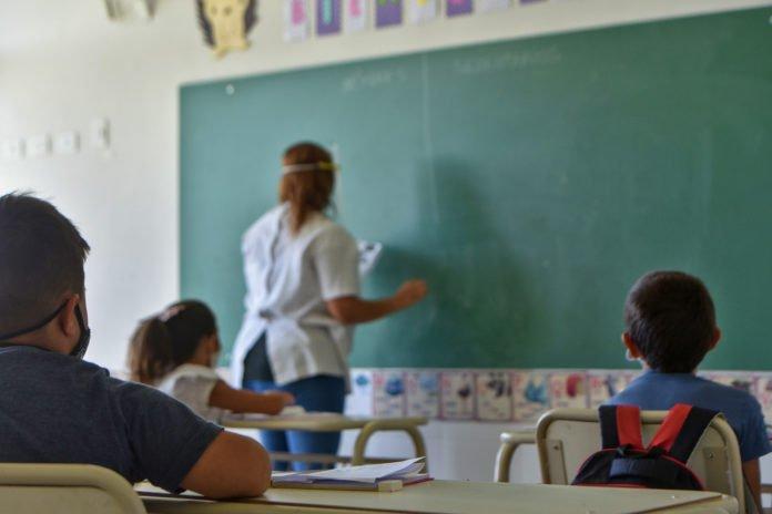 Ante un positivo o sospechoso, se deberá aislar al grupo de alumnos y docentes