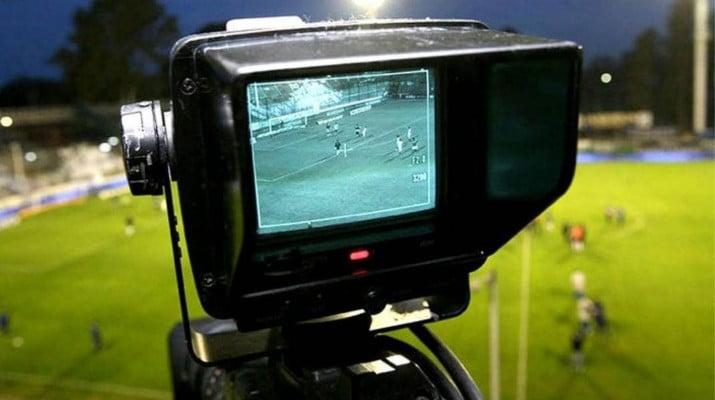 Fútbol en la Tv Pública: el Gobierno busca cuatro partidos por fin de semana