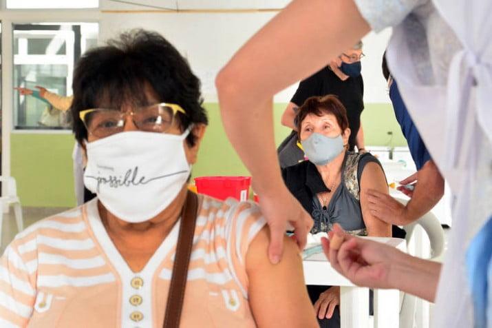 Se acelera la vacunación y este jueves llegarían otras dos millones de dosis