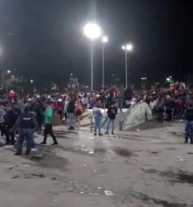 Desalojan a unas 1.500 personas de una fiesta clandestina en Parque de Mayo