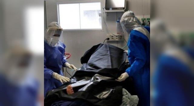 Subió 86% el promedio de muertos diarios por coronavirus en una semana