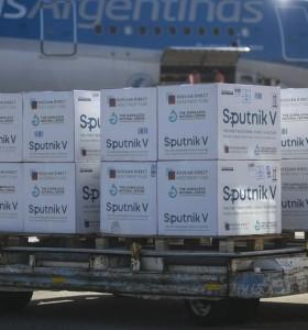 Llegan este domingo dos aviones con más vacunas AstraZeneca y Sputnik V