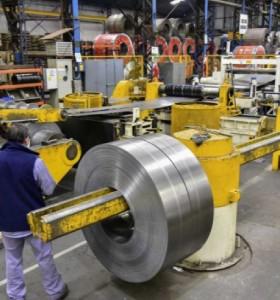 La industria creció por quinto mes consecutivo y avanzó 32,8% en marzo