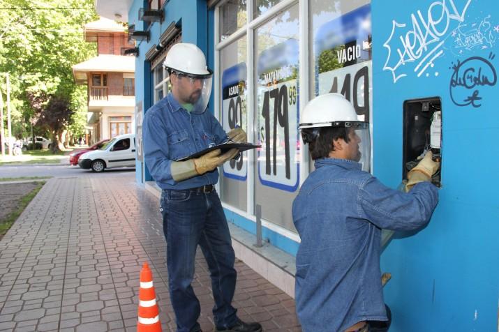 PBA: las empresas de luz y agua no podrán cortar los servicios por falta de pago