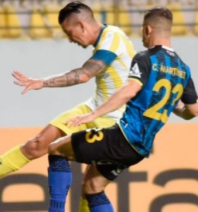 En un partidazo, Central se trajo un punto de Chile con un jugador menos