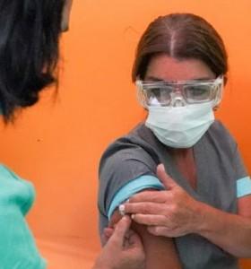 Estiman que las personas entre 18 y 40 años podrían vacunarse en septiembre