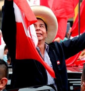 Elecciones en Perú: Pedro Castillo, a punto de cantar victoria