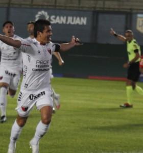 Colón se clasificó para la final con Racing al vencer a Independiente
